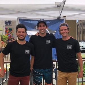 Portrait de l'équipe de Nomads Surfing