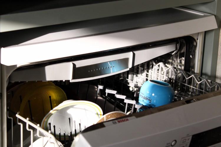 Lave-vaisselle ouvert